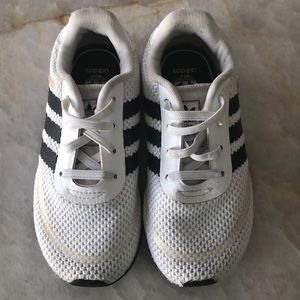 Toddler size 8 adidas tennis shoes